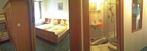 Blick Schlafzimmer / Badezimmer - Ferienwohnung B