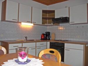 Küche - Ferienwohnung B