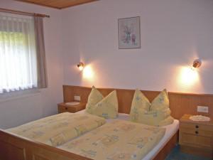 Zimmer  Doppelbett - Ferienwohnung B